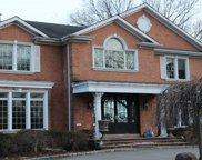 152 Woodhollow  Road, East Hills image