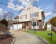 69 Lakeview Ave, Rockville Centre image