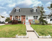 178 Ronni Dr, East Meadow image