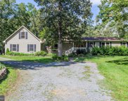 20250 Woodtrail Rd  Road, Round Hill image