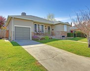 643 Cherry Ave, San Bruno image