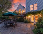 1149 Kettle Pond Ln, Great Falls image