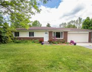2695 EMMONS, Rochester Hills image