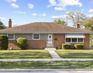 391 Forest Preserve Drive, Wood Dale image