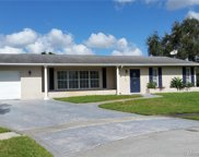 810 Nw 97th Ter, Pembroke Pines image