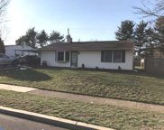 33 Young Birch Road, Levittown image