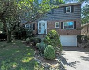 280 Thompson Shore Rd, Manhasset image