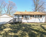 952 Meadowlawn Avenue, Downers Grove image