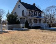 88 Coles Ave, Amityville image