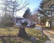 102 Swezey  Lane, Middle Island image