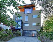 9052 39th Ave SW, Seattle image