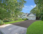 32 Old Neck  Court, Manorville image