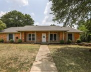 105 Valley View Drive N, Colleyville image
