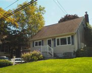 8 Fairchild  Street, Huntington image