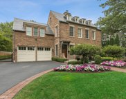 725 Walden Road, Winnetka image