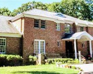 1 Woodhollow  Court, Muttontown image