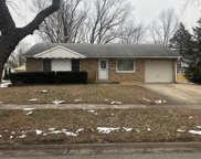 588 Maple Drive, Buffalo Grove image