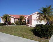 6647 Dolphin Cove Drive, Apollo Beach image