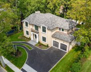 31 Dogleg  Lane, Roslyn Heights image