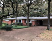405 Lincolnshire Drive, Irving image