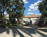 101 Dockside Cir, Weston image