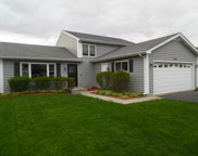 2811 Melbourne Lane, Lake In The Hills image