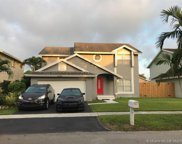 1010 Sw 98th Ave, Pembroke Pines image