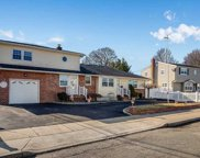 372 Taylor Ave, Levittown image