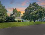 5 Spruce  Drive, East Hills image