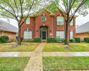 112 Heatherstone, Irving image