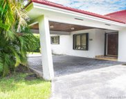 10651 Sw 77th Ave, Pinecrest image