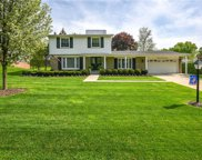 2565 ALVESTON, Bloomfield Twp image