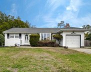 37 Walter Ct, Commack image