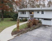 32 Highwood DR, Coventry image