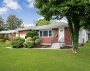 27 Russell Ave, Bethpage image