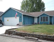 1032 MEADOWLAWN  PL, Molalla image