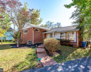6631 Ivy Hill Dr  Drive, Mclean image