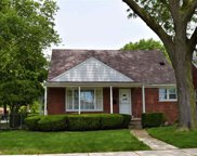 20301 Frazho, Saint Clair Shores image