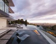1677 N Doheny Dr, Los Angeles image