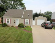 609 Gardiners Ave, Levittown image