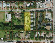 2760, 2766, 2772 Lakeview Dr, Naples image