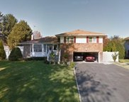 41 Cawfield Ln, Melville image