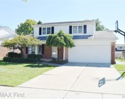 4114 Fox Hill Dr, Sterling Heights image