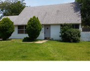 6 Jester Lane, Levittown image