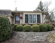 2S744 Avenue Barbizon, Oak Brook image