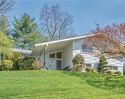 31 Lakeshore  Drive, Eastchester image
