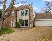 824 N Van Buren, Dallas image