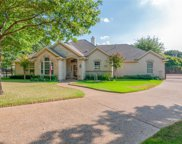 2901 S Odell Court, Grapevine image