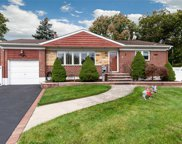 6 Lucille Dr, Syosset image