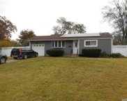 37 Bow  Lane, Central Islip image